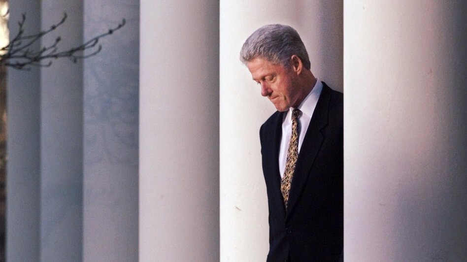 President Clinton walks to the White House Rose Garden to deliver a statement on the impeachment inquiry on Dec. 11, 1998. (AP)