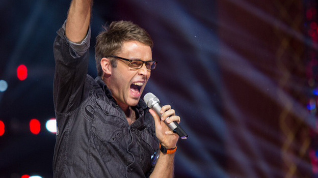 Deke Sharon performs on the Chinese edition of The Sing-Off in 2012. (Courtesy of the artist)