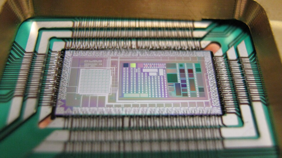 Google and NASA are betting that quantum forces are at work inside D-Wave's 512-bit chip. (Courtesy of D-Wave)