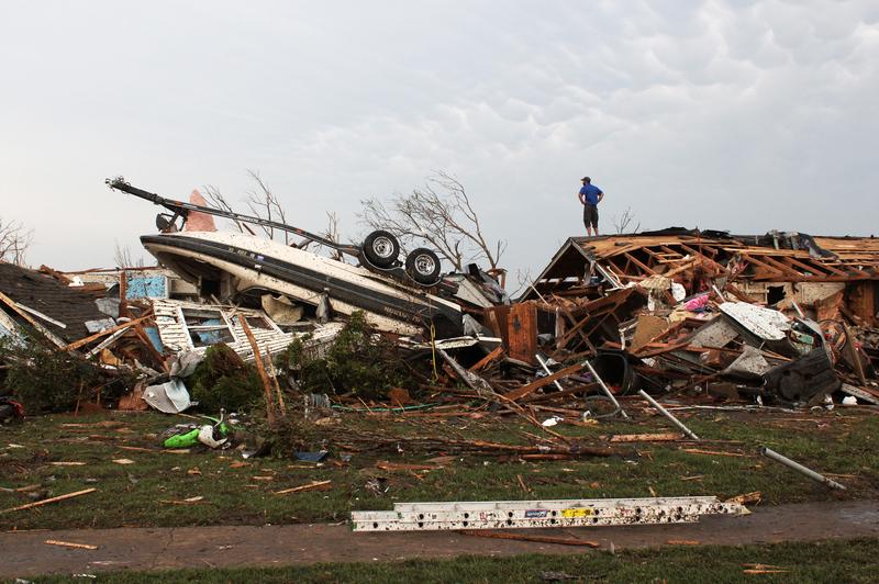 tornado dead body pictures - 640×480