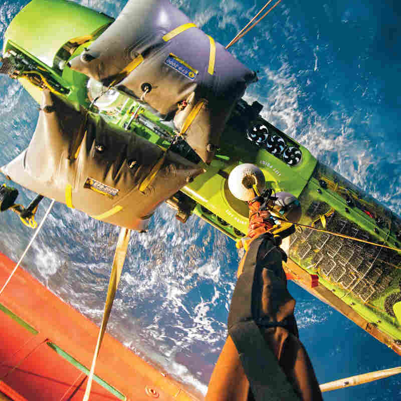 Descending Into The Mariana Trench: James Cameron's Odyssey