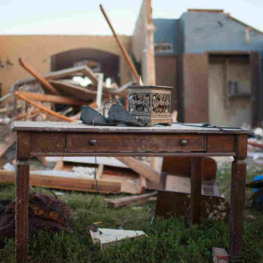 Amid Nails And Mud, Oklahoma Neighborhood Pulls Together