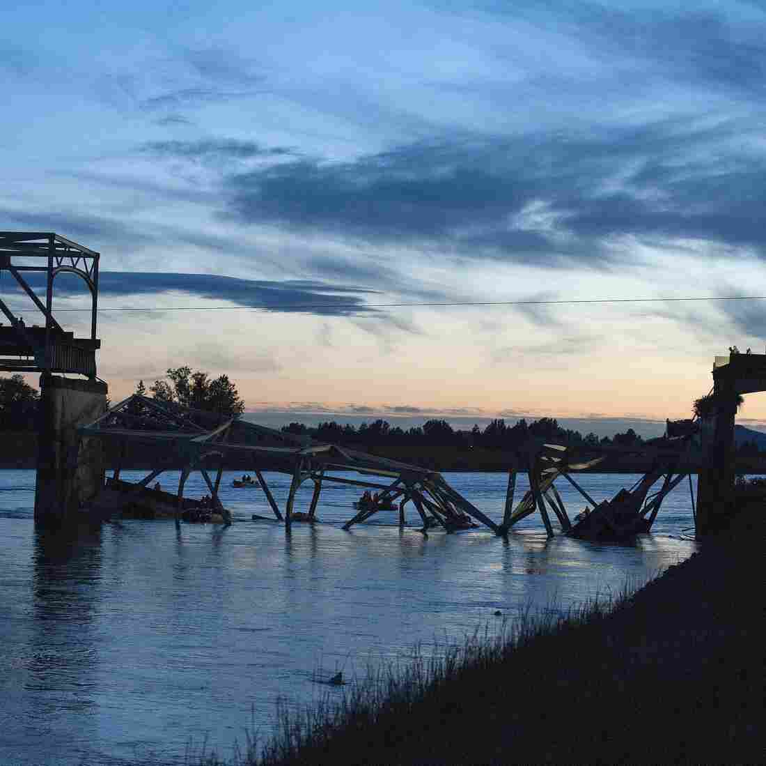 'White Flash And Cold Water' After Bridge Collapse In Wash.