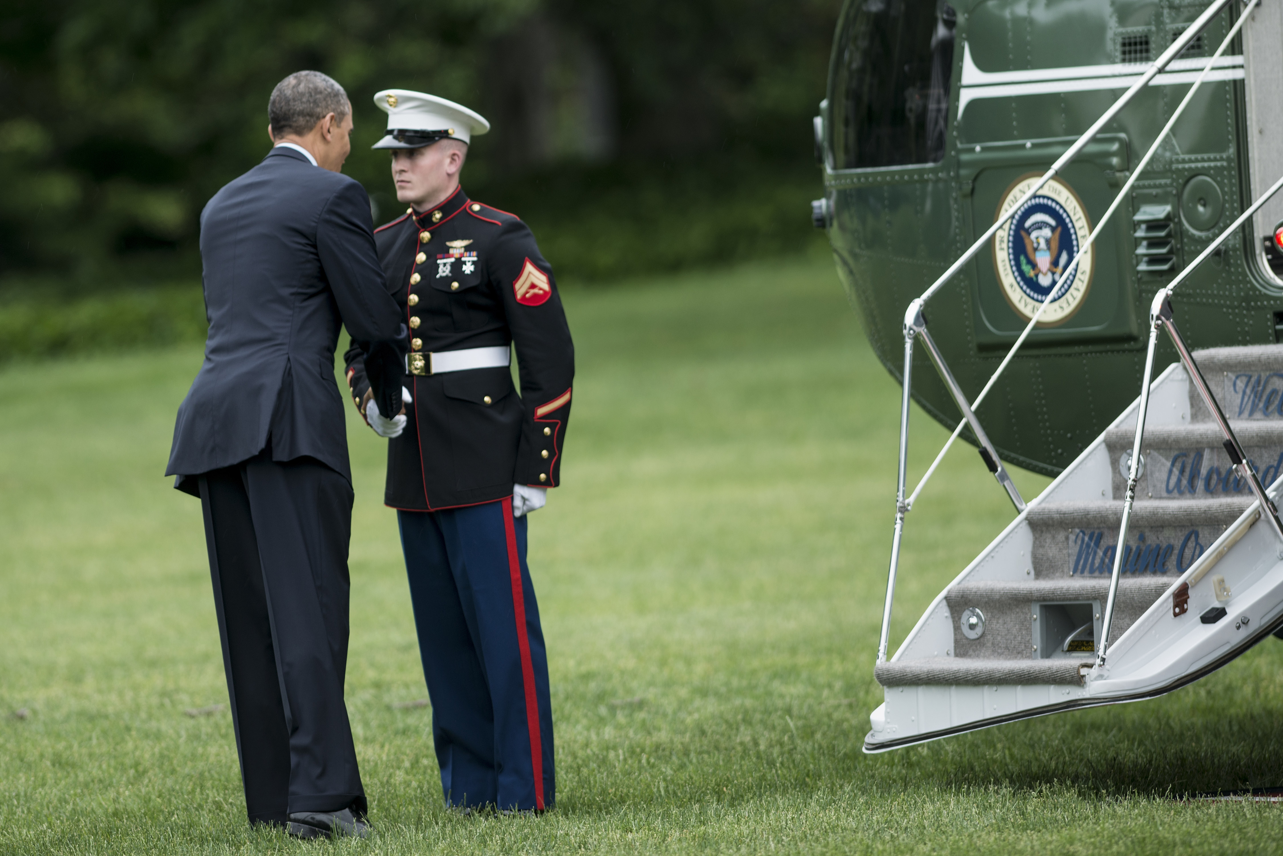 Obama Forgets To Salute; Sparks Debate On Presidential Tradition