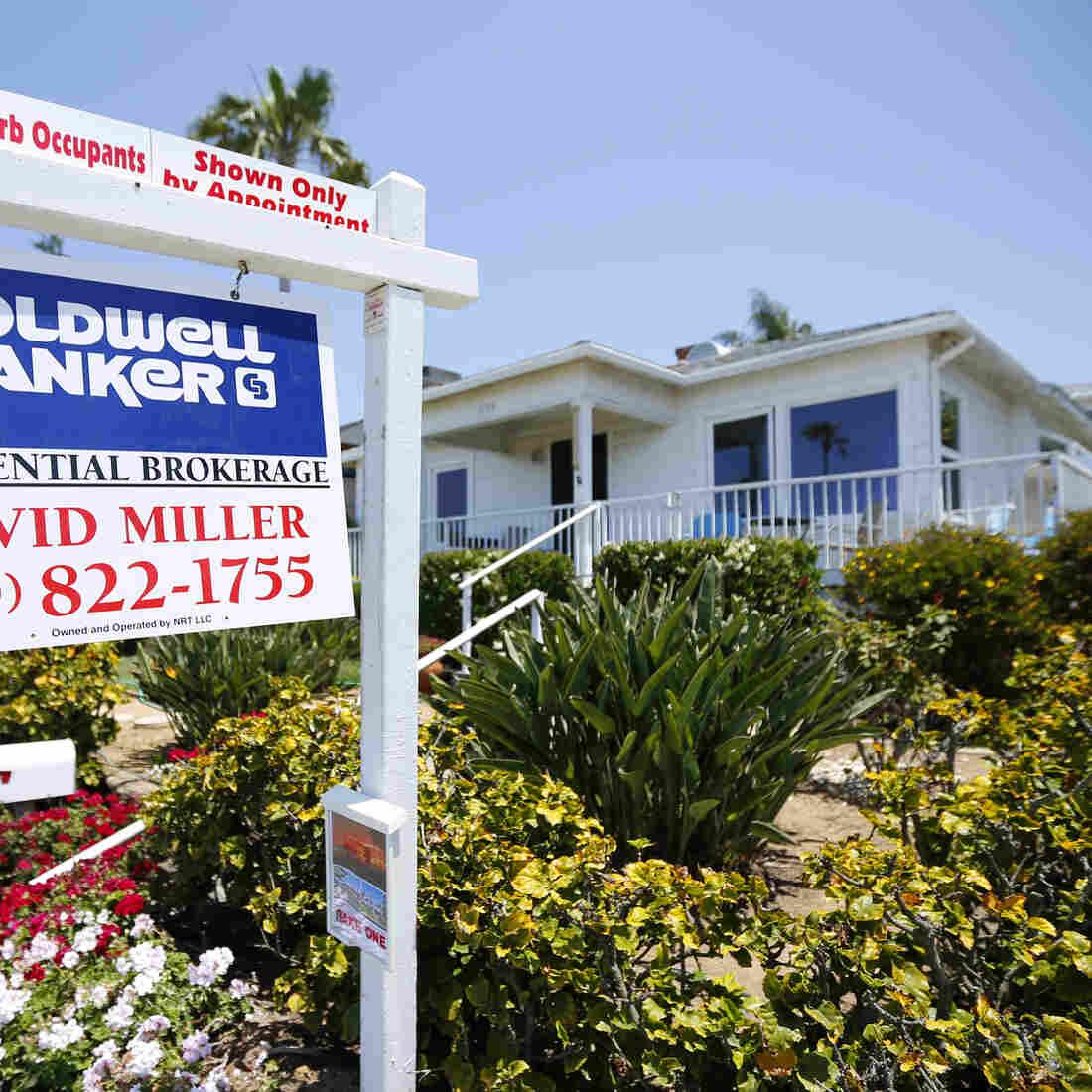 This single family home was for sale last week in Encinitas, Calif.