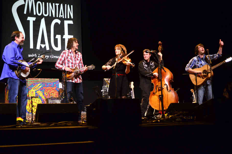 The SteelDrivers' members make their third appearance on Mountain Stage, recorded live on the campus of West Virginia Wesleyan College in Buckhannon.