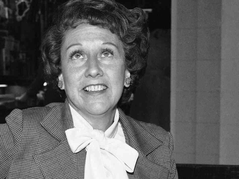 Actress Jean Stapleton, seen here in 1977, died Saturday.