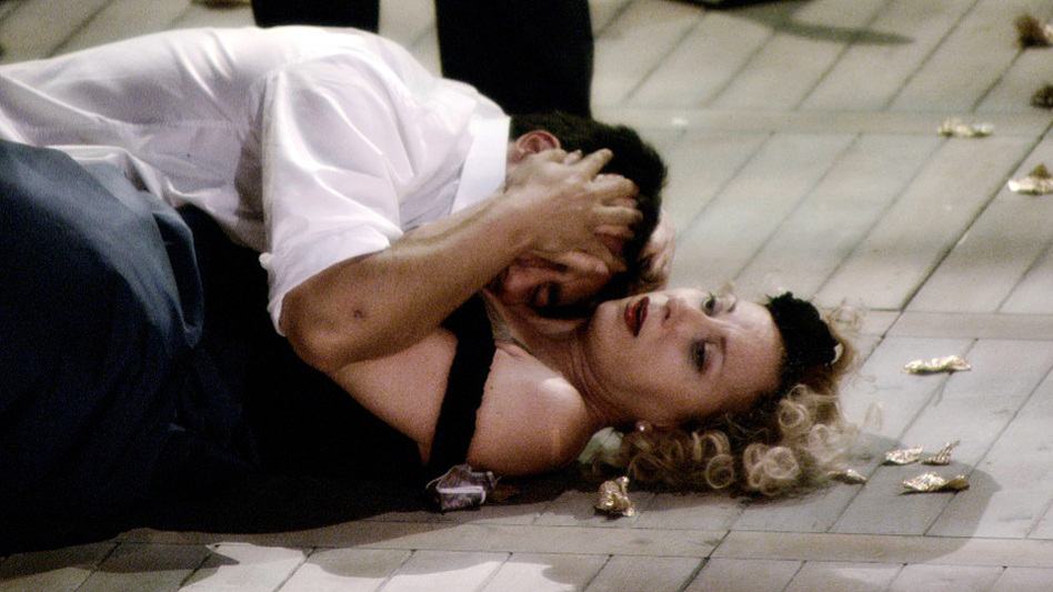 Soprano Natalie Dessay, with tenor Charles Castonovo, in Philippe Béziat's documentary <em>Becoming Traviata</em>.