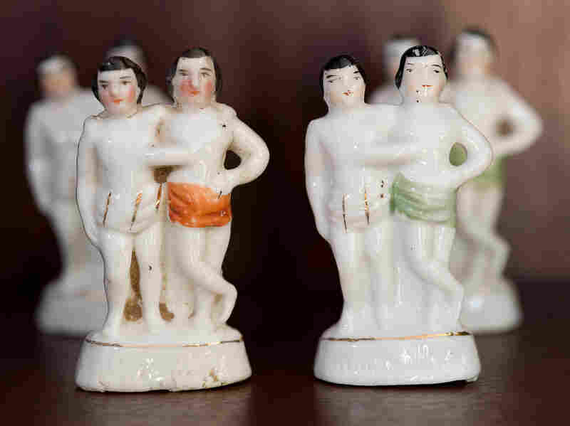 Siamese Twins fairings, circa 1830. These souvenir figurines were most likely produced for the German market.