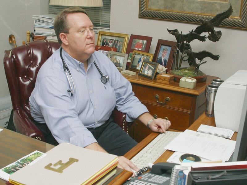 OBESE DOCTOR ile ilgili görsel sonucu