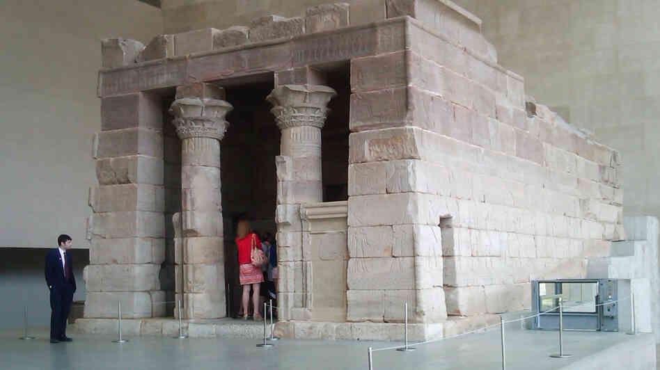 A full-size Egyptian temple, called Dendur, at the Metropolitan Museum of Art in New York City.