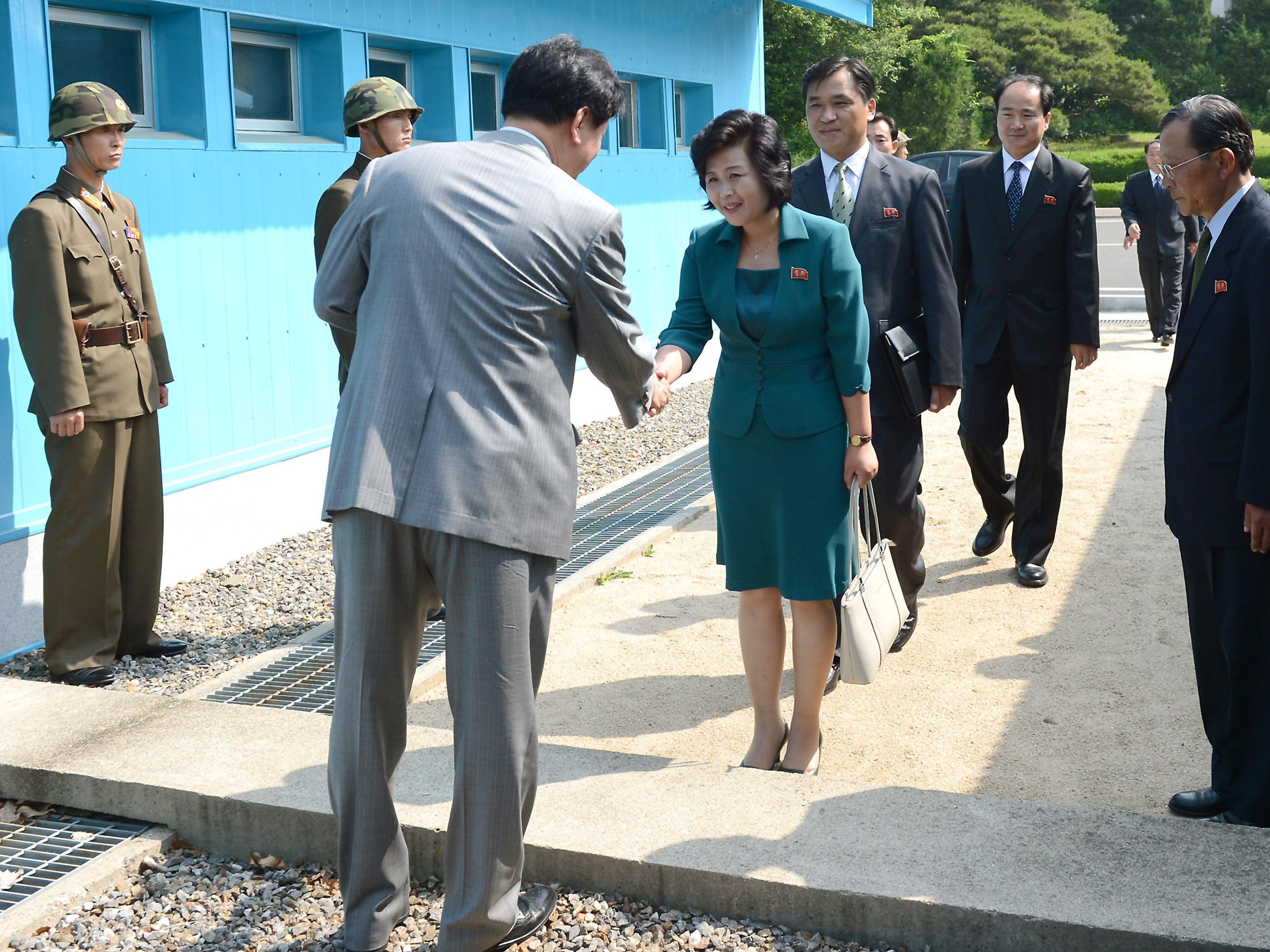 Delegations From Rival Koreas Meet At Panmunjom