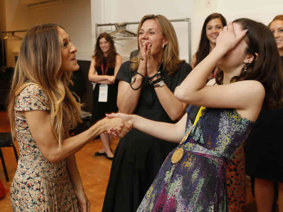 Portfolio Gold Medal winner Luisa Banchoff reacts to meeting actress and art advocate Sarah Jessica Parker, who delivered the keynote address at the Scholastic Awards.