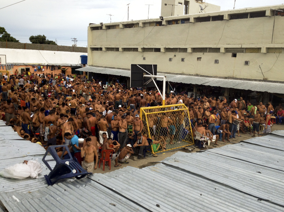 At this prison in Barinas, Venezuela, the inmates are in charge.