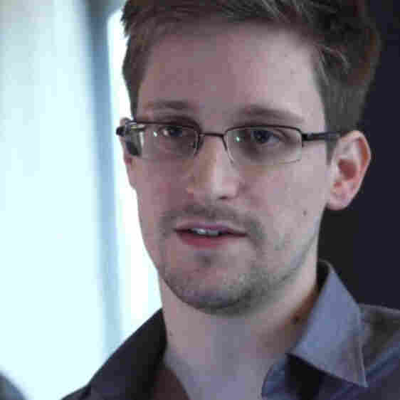 In a 12-minute video on The Guardian's website, Edward Snowden talks about how American surveillance systems work and why he decided to reveal that information to the public.