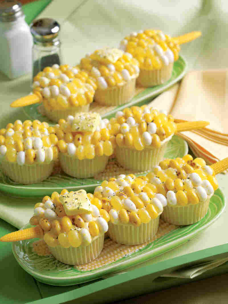 Cupcakes shaped like corn on the cob as pictured in Hello, Cupcake!.