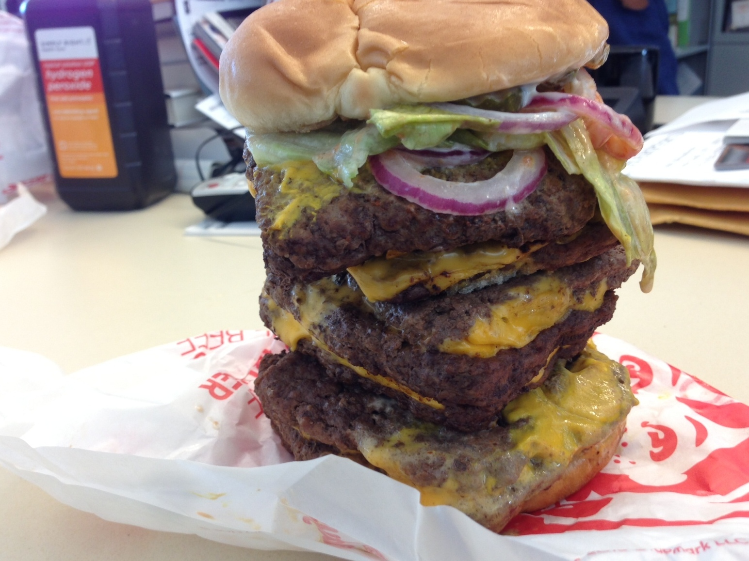 Wendy's single hamburger nutrition