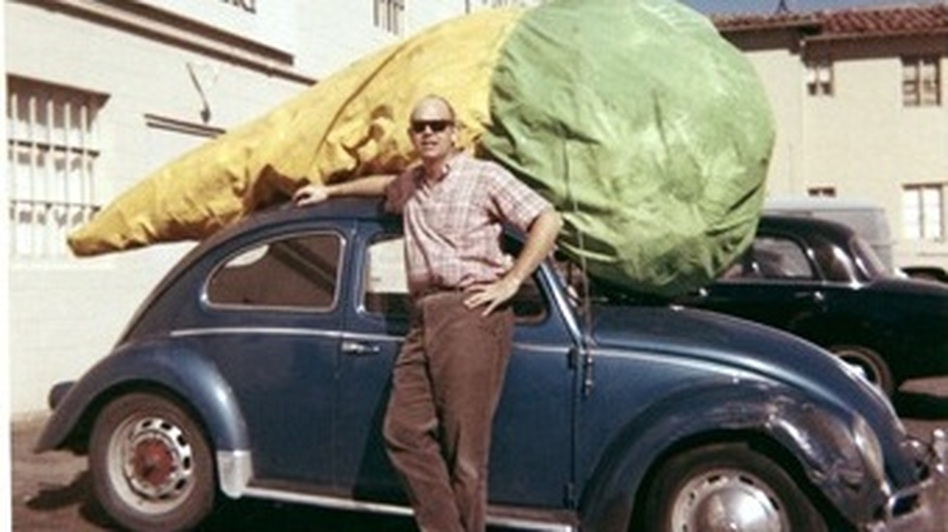 Claes Oldenburg with his Floor Cone (1962) in front of Dwan Gallery, Los Angeles, 1963. (Museum of Modern Art)