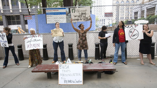 Protesters picket in front of the Jacob K. Javits Federal Building in New York City in 2006 for the removal of an age limit on the morning-after pill. (Bloomberg via Getty Images)