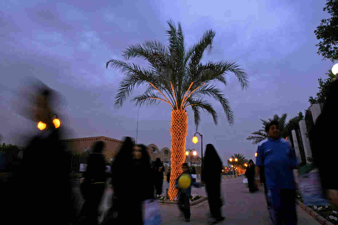 Saudis visit the Flowers' Festival in Riyadh.