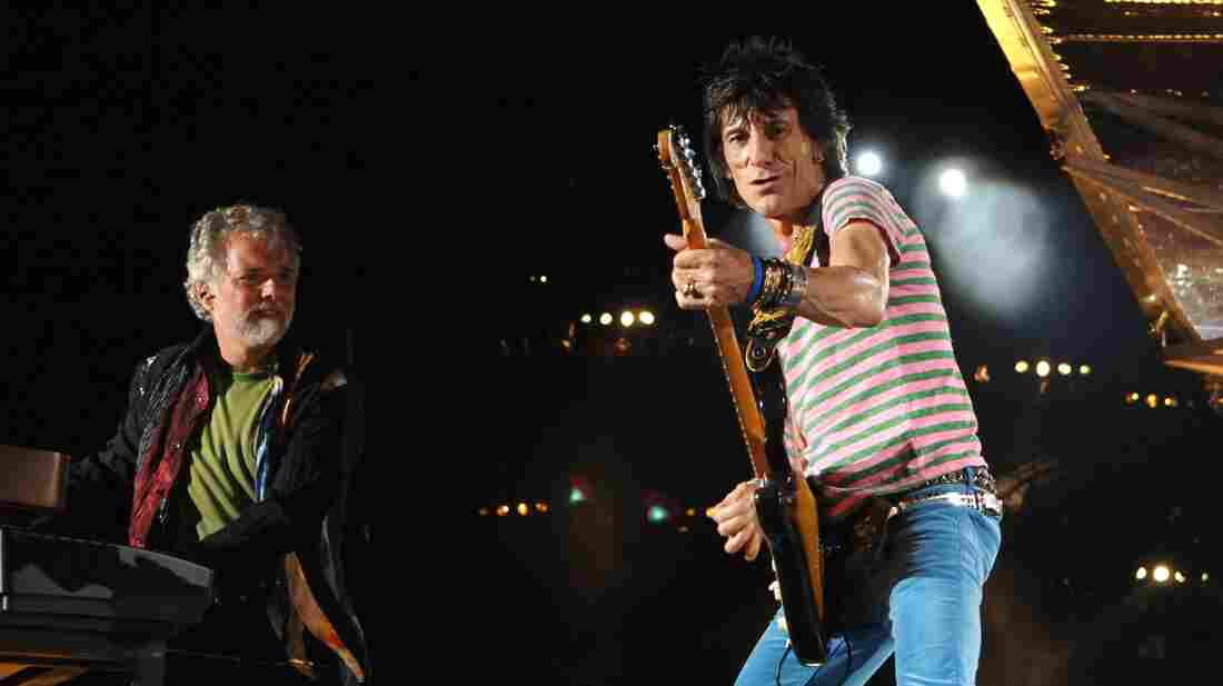 Chuck Leavell plays alongside Rolling Stones member Ronnie Wood.