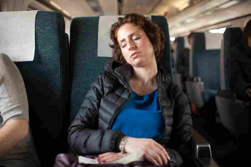 Relieved about the outcome of the hearing, Eden takes a nap on the train to rest before a long night of work.