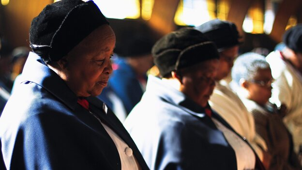 Prayers for Nelson Mandela: At Regina Mundi church in Soweto township, South Africa, on Sunday, congregants prayed for the former South African leader. (EPA /LANDOV)