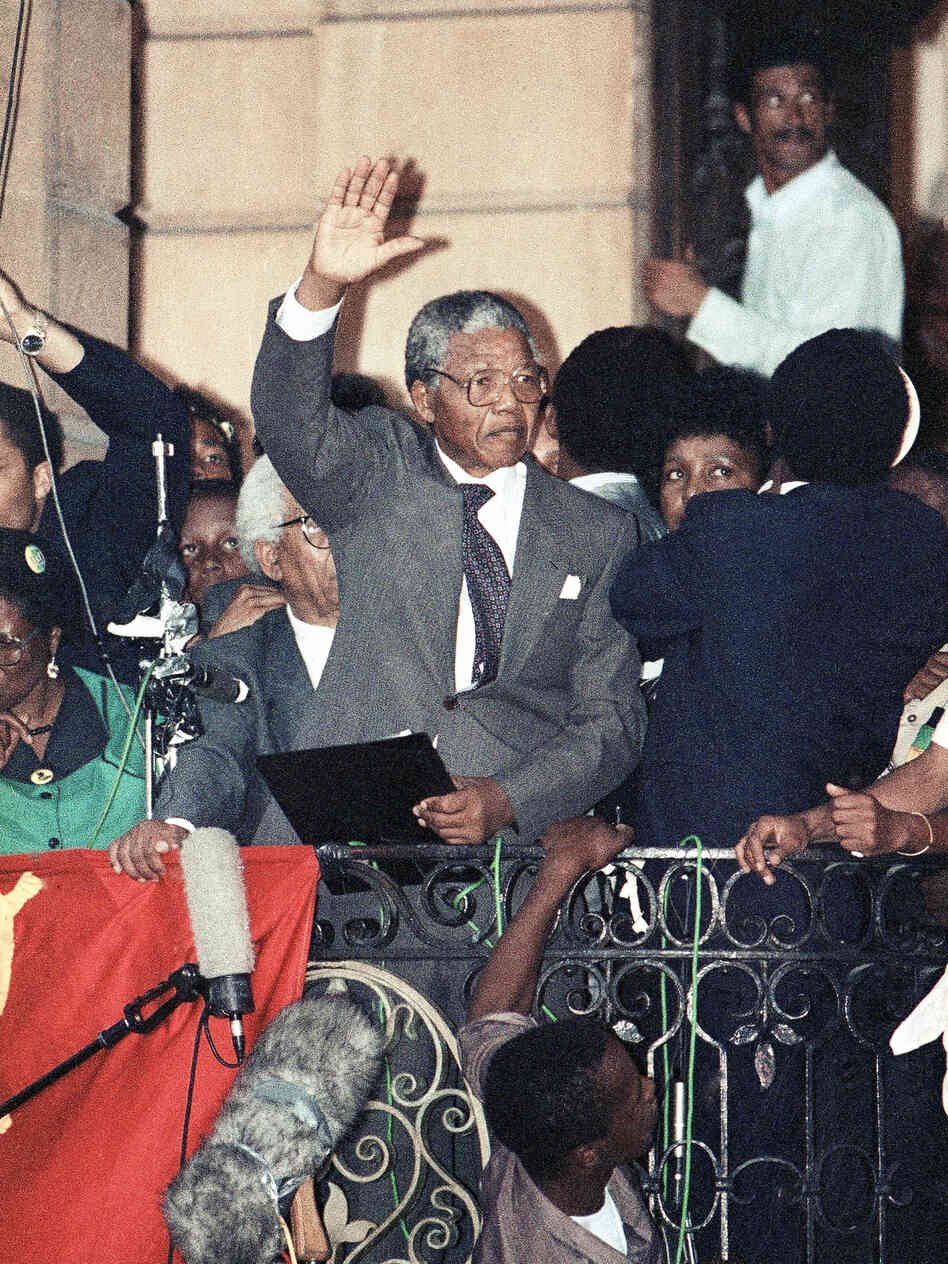 hours after his release from prison, Nelson Mandela made his first ...