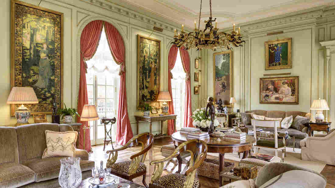 Spencer and Marlene Hays' collection of French art usually adorns the walls of their Nashville home, an exact replica of a French palace. But for a few months, those pieces are back in their country of origin, on loan to the Musee d'Orsay.