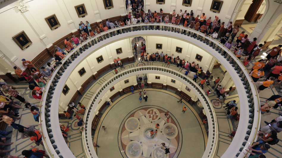 The line to enter the Senate chamber spills into multiple levels of the Texas Capitol rotunda as state Sen. Wendy Davis filibustered an abortion bill in Texas. (AP)