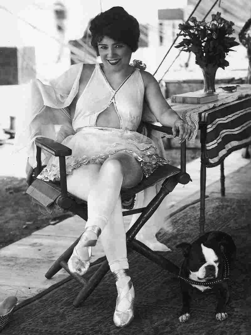 Leitzel is remembered as the first true circus diva.