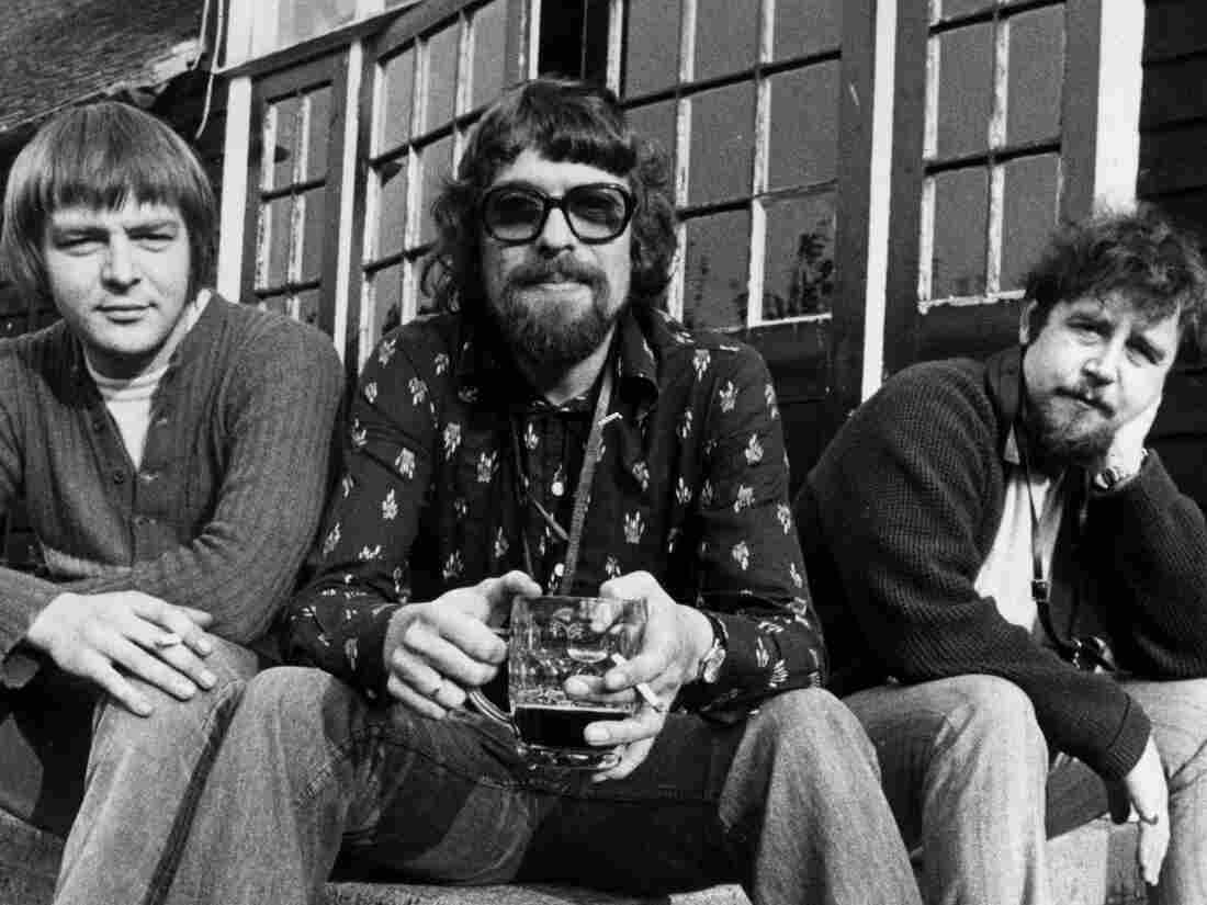 John Surman, Mike Osborne and Alan Skidmore were all saxophonists and teamed up in 1973 to form the short-lived trio S.O.S.