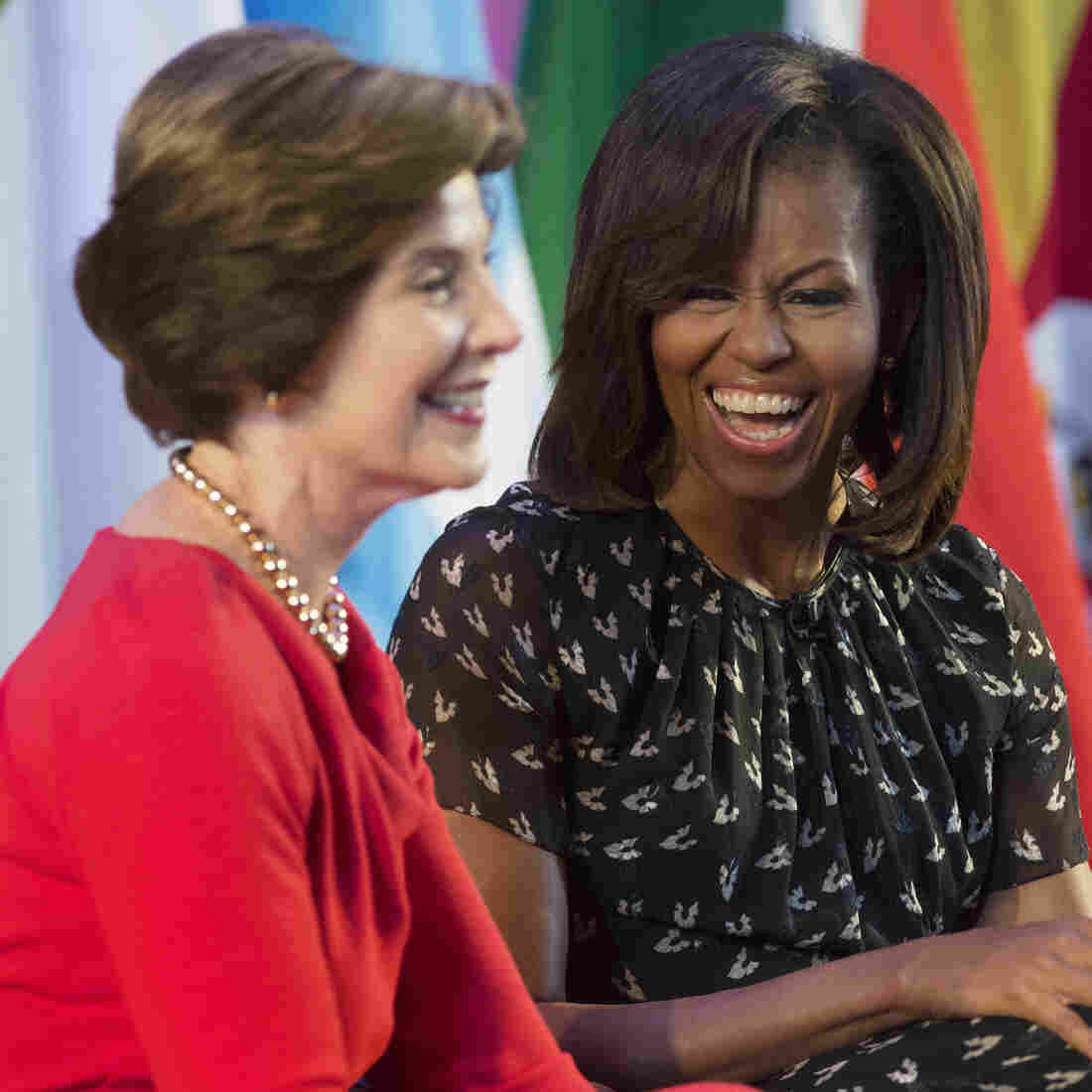 Former first lady Laura Bush and first lady Michelle Obama.