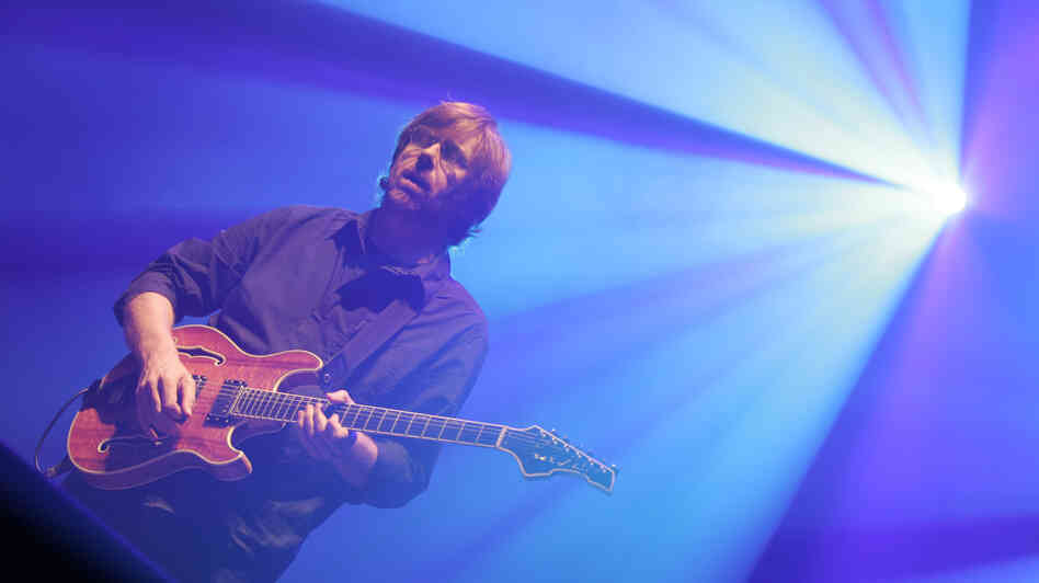Trey Anastasio performs as part of Phish in 2009.