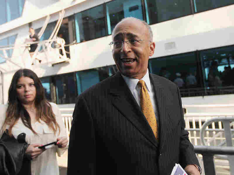 Mayoral candidate Bill Thompson departs a political forum on a boat in Manhattan on April 9.