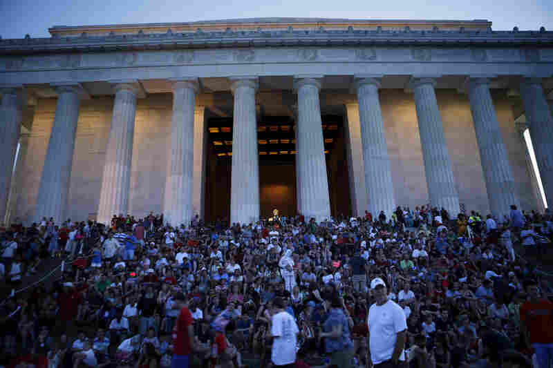 A look at the crowd on the steps of the Lincoln Memorial.