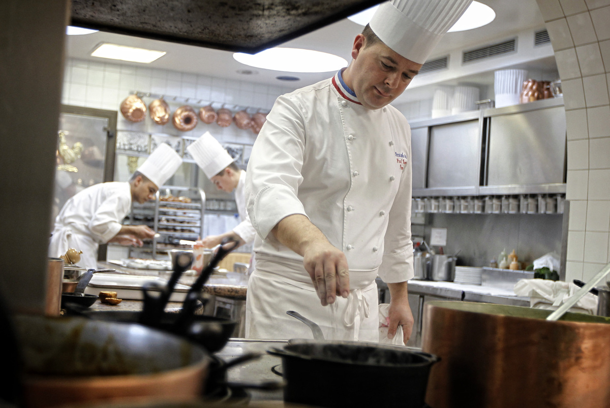 France battles scourge of ready to eat meals in for Kitchen 8 restaurant