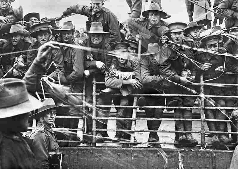 Boarding of the transport ship Ajana, Melbourne, Australia, 1916