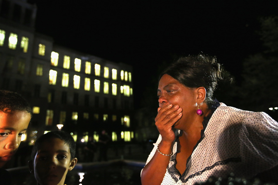 A stunned Carmen Taylor bursts into tears in front of the Seminole County Criminal Justice Center after learning the verdict. (Getty Images)