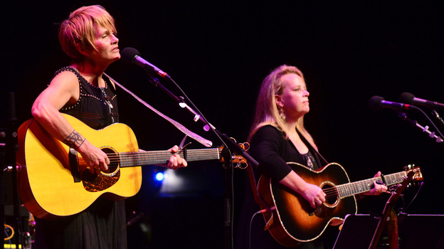 Shawn Colvin (left) and Mary Chapin Carpenter perform together on stage. (Mountain Stage)