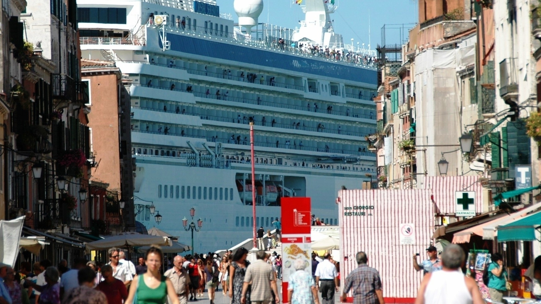 In Venice Huge Cruise Ships Bring Tourists And Complaints