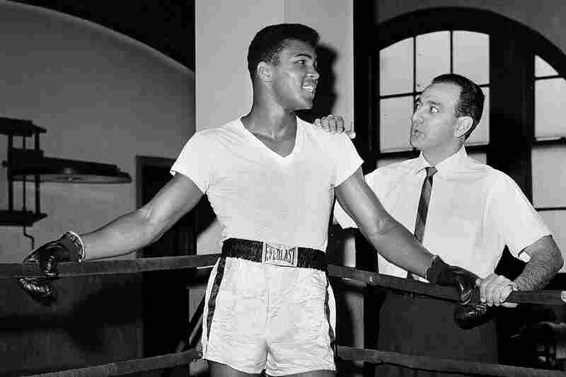 Clay with trainer Angelo Dundee at City Parks Gym in New York in 1962.