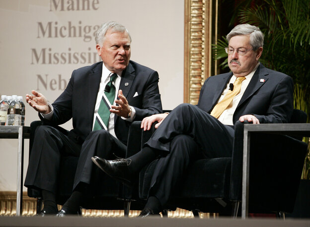 Georgia Gov. Nathan Deal (left) and Iowa Gov. Terry Branstad, both Republicans, made a watchdog group's list of bad governors that has a very disproportionate GOP skew.