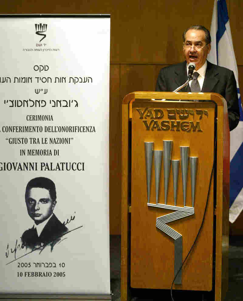 Italian Interior Minister Giuseppe Pisanu speaks during a ceremony in 2005 honoring Palatucci at the Yad Vashem Holocaust Museum in Jerusalem. The museum now says it is reviewing the case.