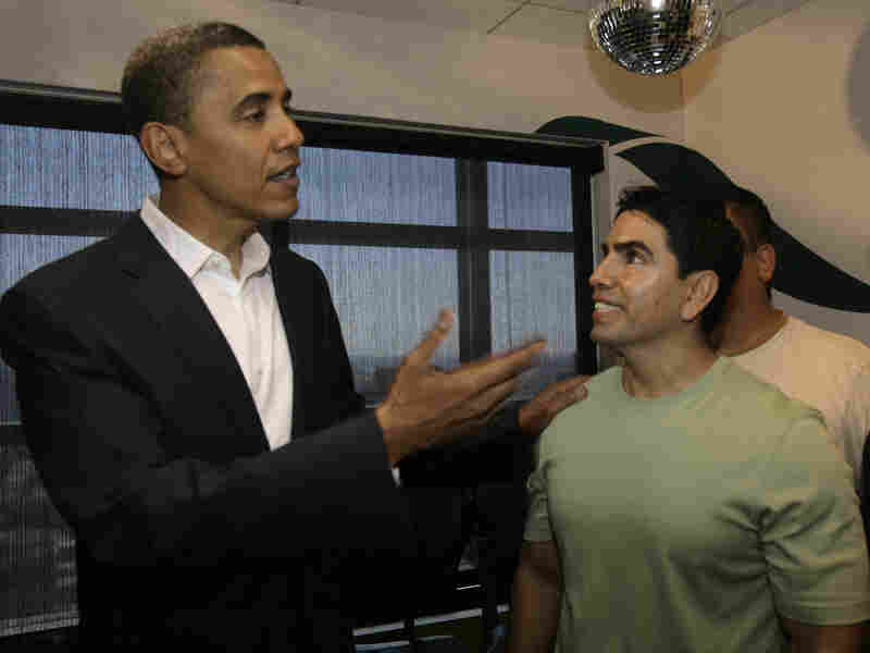 Sotelo chats with then-Senator Barack Obama in 2007 after an interview on his radio show Piolín por la Mañana.