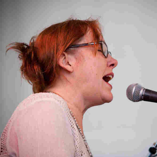 Iris DeMent, Live In Concert