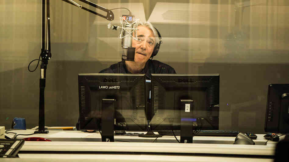 Weekend Edition Saturday host Scott Simon documented his mother's final days to his more than 1.2 million Twitter followers.