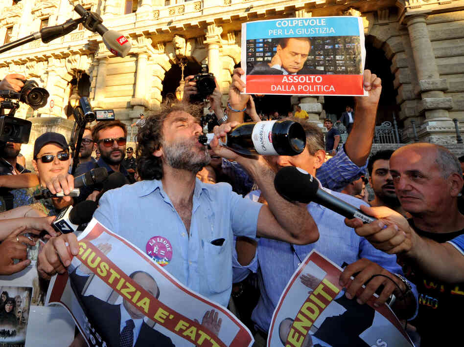 Celebrations in Rome after the Italian Supreme Court's sentencing of Italian politician