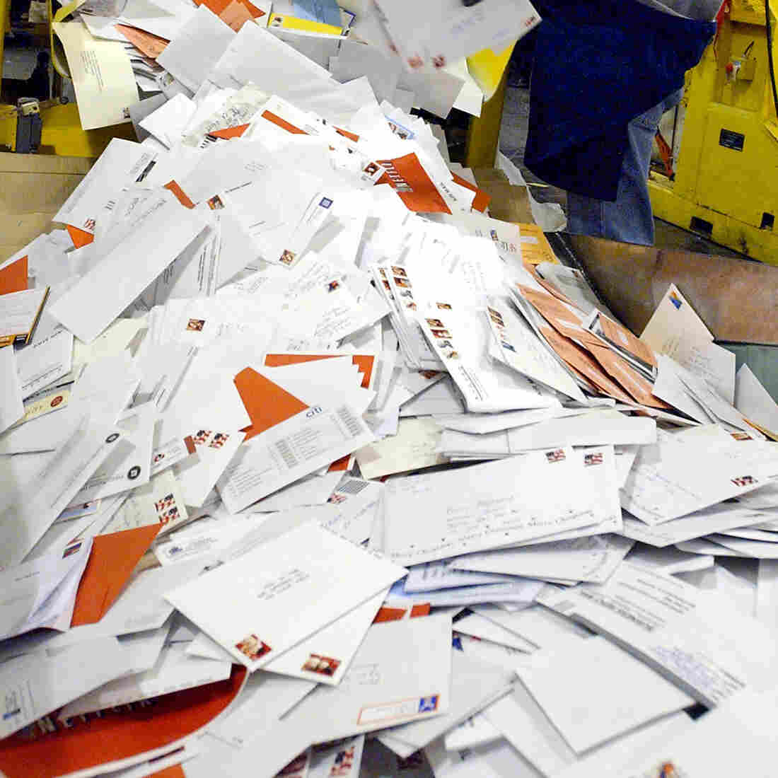 Postmaster: We Photograph Your Mail, But Not To Snoop