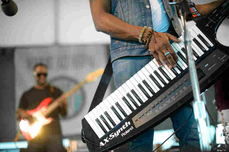 """This ain't no """"Rockit,"""" y'all. Pictured here is Casey Benjamin from the Robert Glasper Experiment on the keytar."""